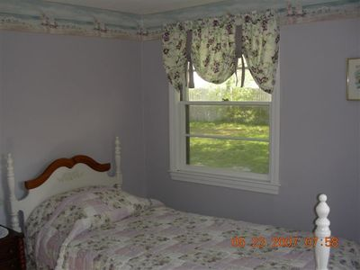 Bedroom 2 with 1 twin bed