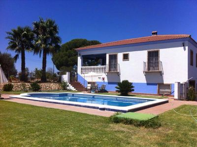 GREAT FAMILY VILLA WITH POOL IN RURAL ENVIRONMENT
