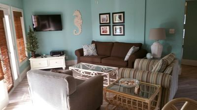 Blondie's Place-Dog Friendly Gulfview2b/2b Condo, kayaks-pool!Winter sale