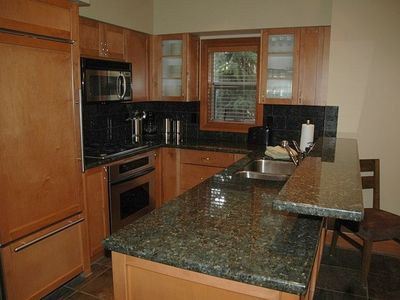 Gourmet kitchen; fully stocked; all SS appliance and fill w/d