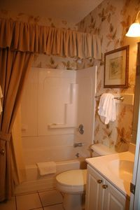 Tybee Island townhome rental - Lower Level Bath