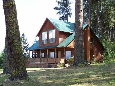 Wonderful Mountain Retreat With A Great View of Lake Cascade