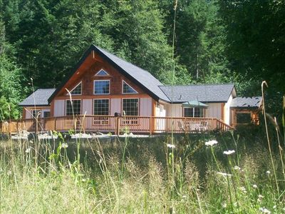Packwood chalet rental - The Timberline Meadows Chalet is in a perfect mountain setting!