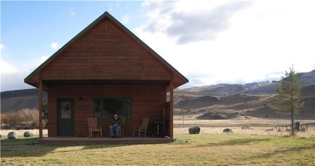 Emigrant Cabin Rental Lodging Near Yellowstone Park Your