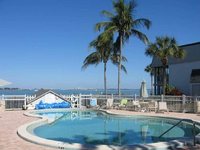 Sanibel Island condo rental - Swimming Pool right on the Bay