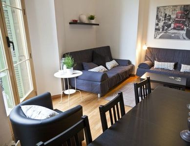 Centro - Plaza Catalunya apartment rental - dining room and living room