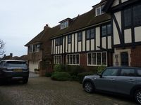 Family friendly apartment in upmarket Meads area of Eastbourne