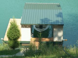 La Follette cottage photo - Dock in Summer