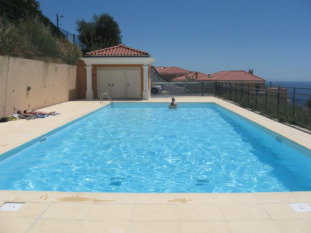 . 1 Bedroom apartment with swimming pool      HomeAway La Madeleine