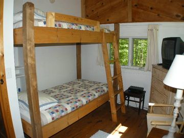 Bunk Bedroom w/ xlong twin mattresses
