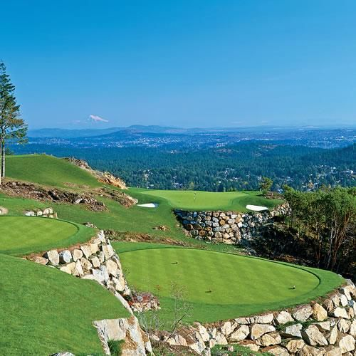 Bear Mountain Golf 10 minutes away