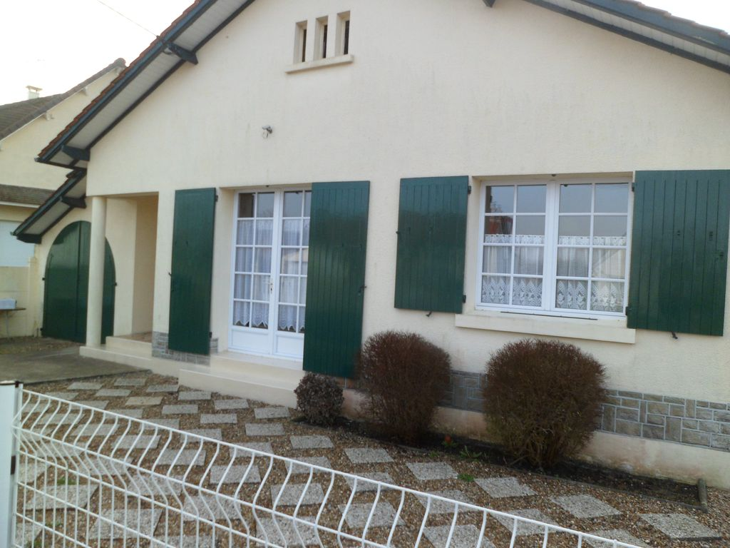 House, 70 square meters, close to the beach