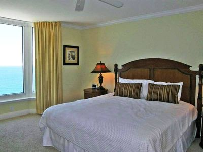 Master Bedroom w/ King Size bed and spectacular gulf of Gulf.