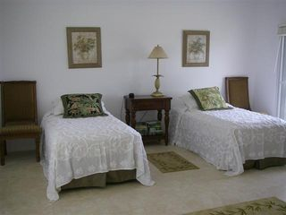 Bermuda villa photo - Twin Bedded Room