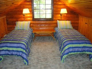 Eagle Mountain Lake house photo - Twin Beds in the loft