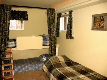 The 'Pine Blind Room' with 3 twin beds