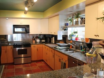 Fully appointed kitchen with Margarttiaville blender and filtered Water