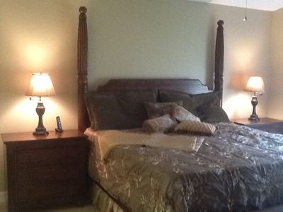 Master Bedroom King Bed 2 night stands Dresser 42' tv Hugh walk-in closet