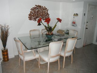 Aventura apartment photo - Dinner table for 6