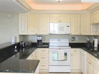 Fort Myers Beach condo photo - Newly Remodeled Kitchen