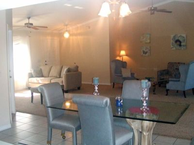 Pine Island bungalow rental - Lounge and TV area