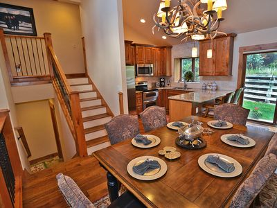 Beautifully Remodeled 4 Bed/3 Bath Vail Point Townhome