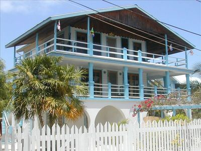 'Reef House' Probably the Most Beautiful House on Caye Caulker