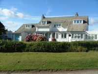 Well equipped family holiday house with panoramic views of Camel Estuary