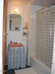 Bathroom - Lincoln City house vacation rental photo