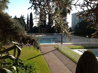 2 minutes from the beach, with garden and sea view nice apartment