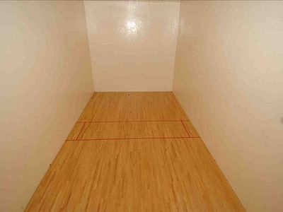 Awesome racquetball ball court
