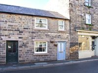 LITTLE PUDDING COTTAGE, family friendly in Bakewell, Ref 21383