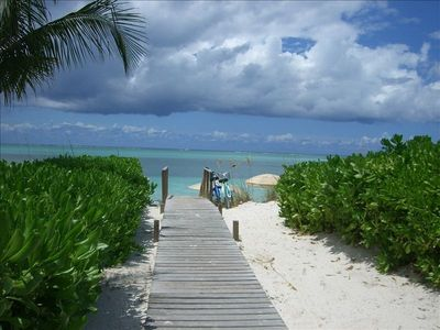 Providenciales - Provo condo rental - Beach access from Reef Residences - 30 seconds away
