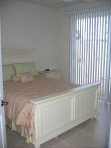 Additional bedroom- queen bed, large closet and dresser & direct access to lanai
