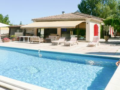 Villa, with heated and covered swimming pool, jacuzzi, for 6 people, 3 bedrooms, 2 bathrooms.