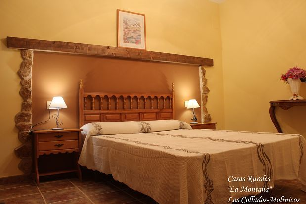 Casas Rurales La Montaña for 14 people