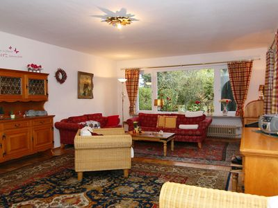 Three 3-room apartments for 2-4 persons. South-facing terrace. Lawn. Mountain views. - Ferienwohnung Wank