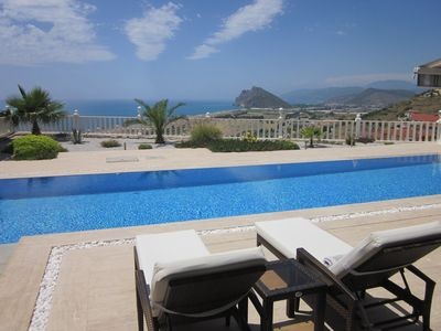Apartment / pool / sea view up to 6 persons