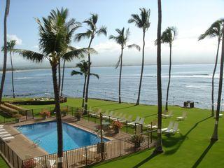 Maalaea condo photo - View from lanai. Overlook oceanfront palms.
