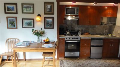 Custom kitchen, gas stove, microwave, toaster, coffee maker, blender & breakfast