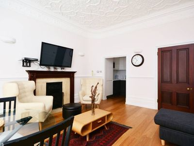 Mayfair - Stunning Renovated Flat