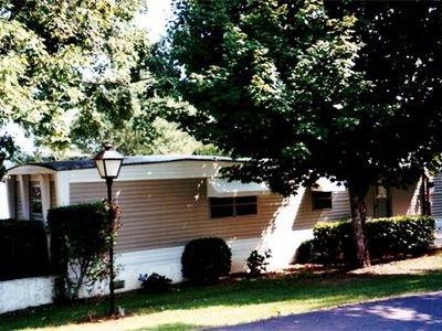 Salem mobile home rental - Front of mobil home (you park right in front