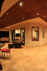Lahaina villa photo - Plenty of windows to enjoy the views from inside