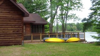 Atlanta lodge photo - House comes with 2 Kayaks and new deck