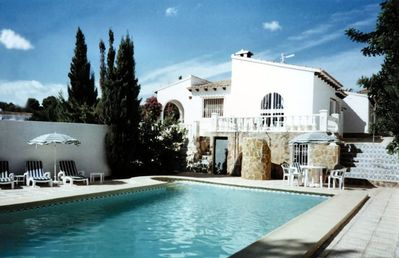 Moraira villa rental - SIDE VIEW OF VILLA WITH POOL