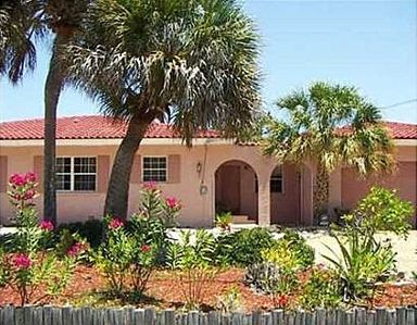 welcome to your very own private home on Siesta Key near the Village