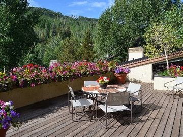 Spacious Deck Overlooking Vail Mountain