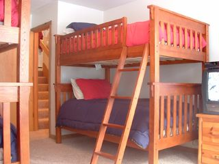 Vail townhome photo - Kids Bedroom with 2 Sets of Bunks