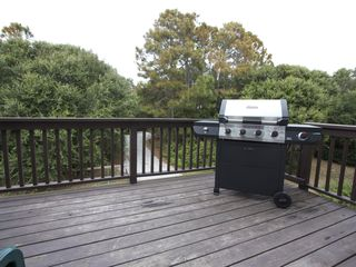 Rear grill deck - Folly Beach house vacation rental photo