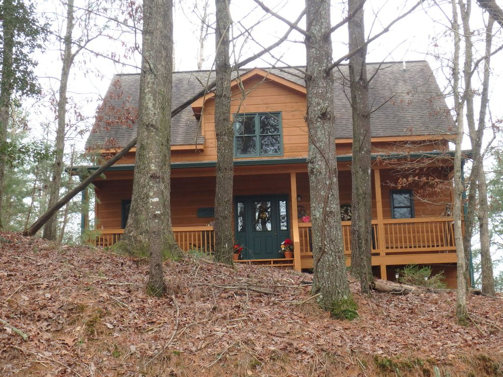 Amazing ellijay cabin sleeps 8 vrbo for Ellijay cabins for rent by owner